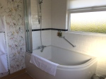 Private Suite ensuite bathroom